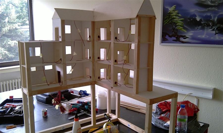 Fur Die Unterkonstruktion Habe Ich Wieder Massiven Balken Verwendet Da Diese Ja Am Ende Auch Das Gewicht Des Ganzen Hauses Tragen Mussen